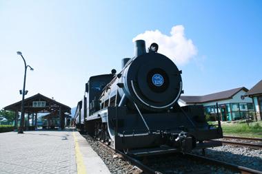 train-01.jpg